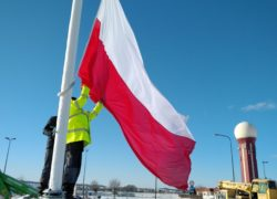flaga_polski_na_maszcie_gdansk